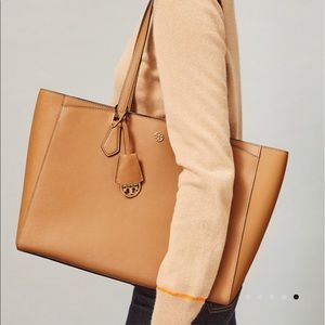 Tory Burch🍁🍂Saffiano Large Tote Bag